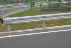 高速护栏板配件之立柱安装