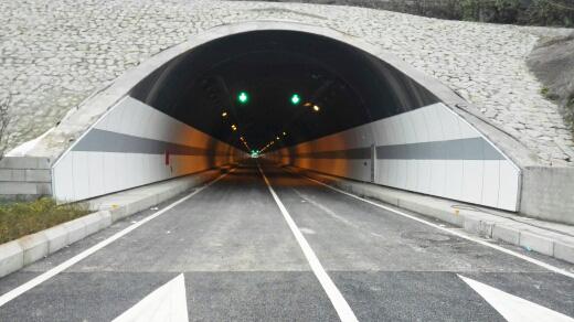 金童路南段工程(标线、车道指示器1)
