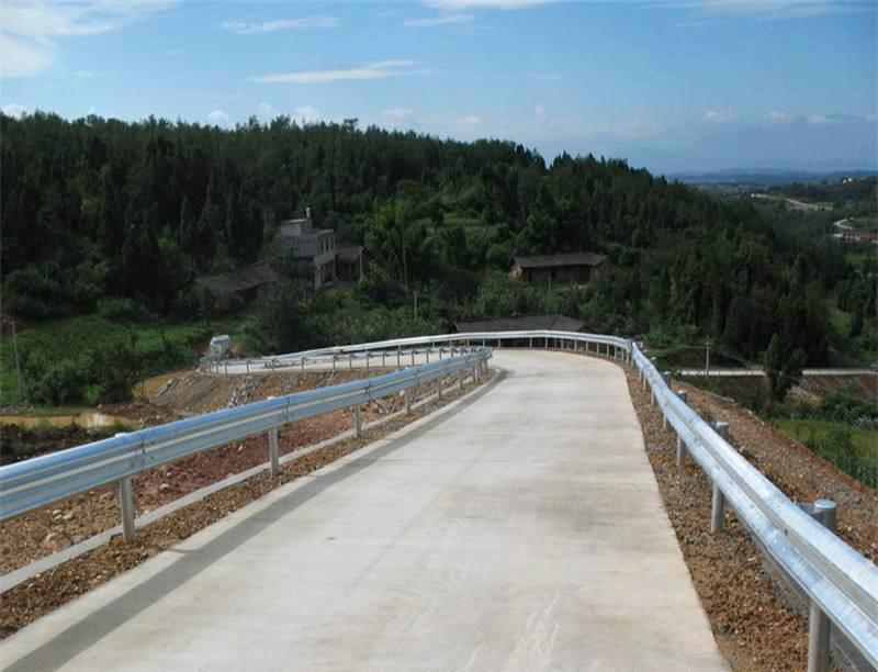 波形梁护栏工程